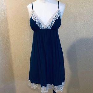 Victoria Secret navy blue & white lace chemise Med